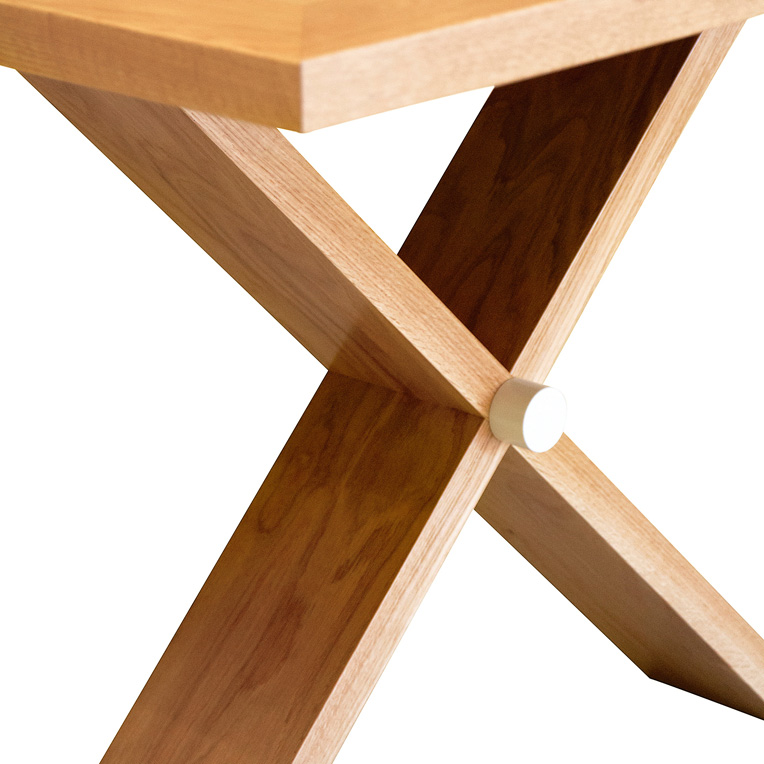 Leg detail of American Oak dining table